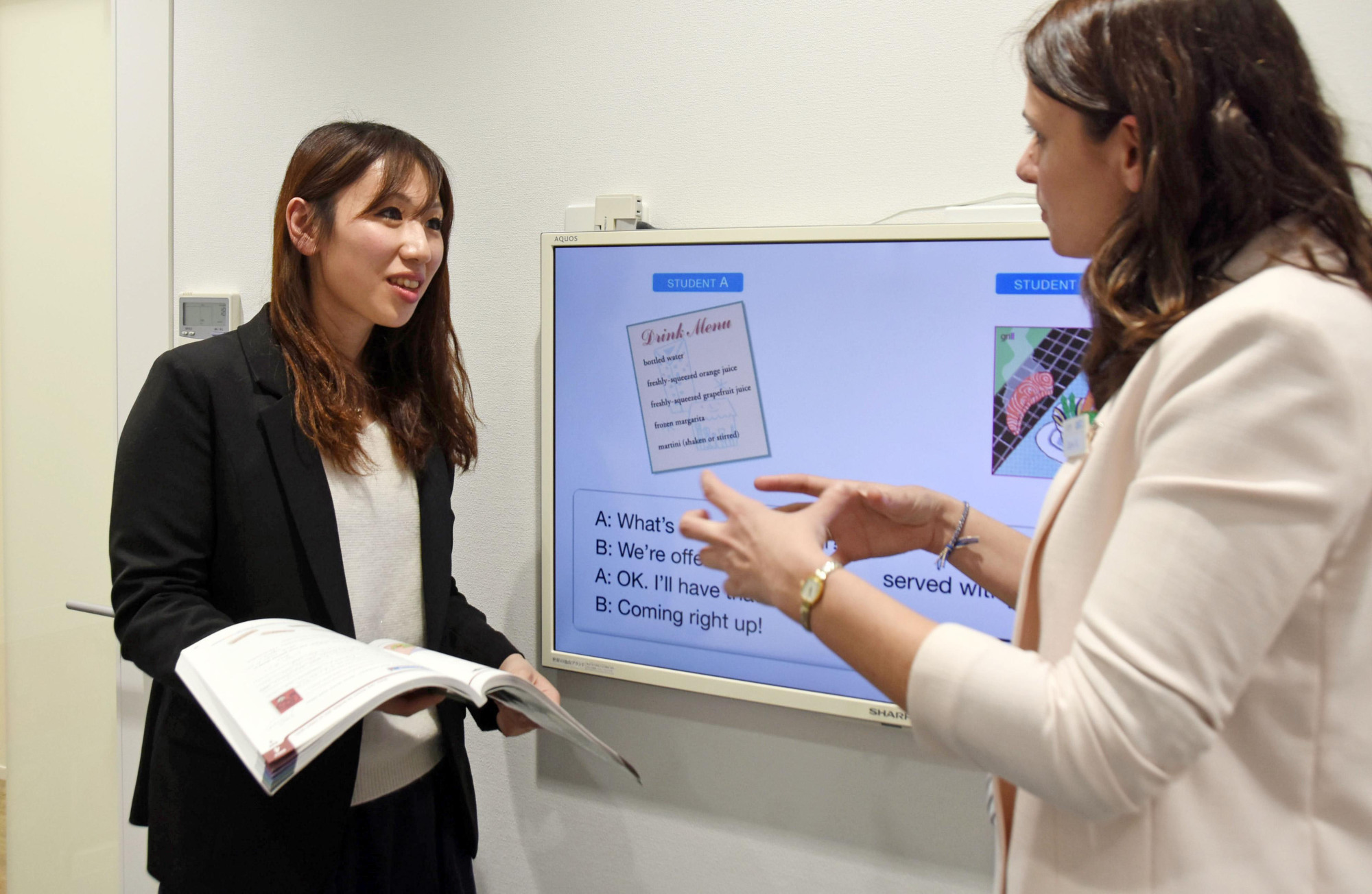 Native English speakers in demand as Japanese teachers hone their language skills for new curricula