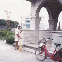 In the 1970s, Chandru Advani made daily visits to the fountain in Yokohama memorializing the 28 Indians killed in the 1923 Kanto earthquake. | COURTESY OF NALIN ADVANI
