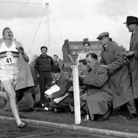 Roger Bannister, first runner to break the 4-minute mile, dies at 88