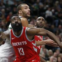 Rockets beat Clippers for 14th straight win