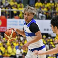 Veteran guard Edward Yamamoto and his Shimane teammates have struggled to put points on the board this season. | B. LEAGUE