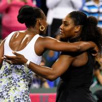 Venus posts straight-sets win over Serena at Indian Wells