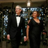 Trade believed key topic as Trump and Apple CEO Tim Cook meet at White House