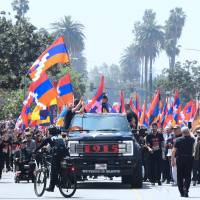 Thousands of Armenian-Americans march in LA for Turkey to recognize 1915 genocide