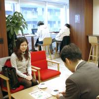 Cafes offer students 'virtual' workday experiences