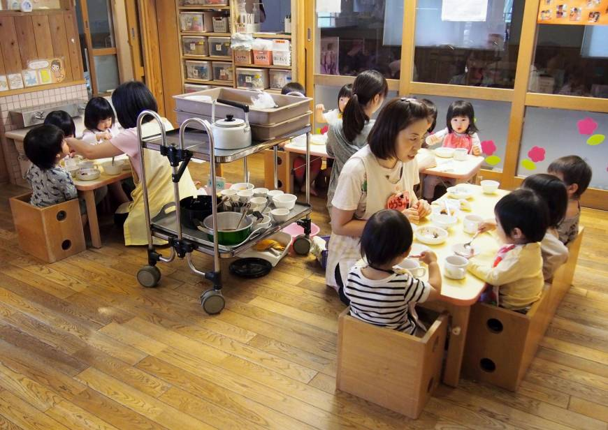 Aichi day care worker's apology for getting pregnant highlights labor crunch in female-dominated sectors