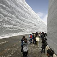 'Great Valley of Snow' route with 17-meter-high walls opens for season in Toyama
