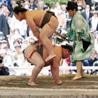Japan Sumo Association to hold meeting on Saturday to discuss its policy of excluding women from the ring