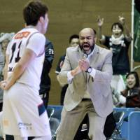 Game on: Samir St. Clair calls out words of encouragement to the Saitama Broncos at a match versus Tokyo Excellence at Higashi Itabashi Gymnasium, Tokyo. | COURTESY OF SAMIR ST. CLAIR