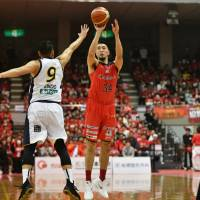 Jets star Ryumo Ono, one of the league's most versatile forwards, has helped East Division-leading Chiba win six straight games. | B. LEAGUE