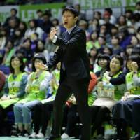Some observers consider Levanga Hokkaido bench boss Kota Mizuno the league's most underrated head coach. Mizuno, who took the reins in 2015, has kept the Levanga competitive this season despite a modest budget. | B. LEAGUE