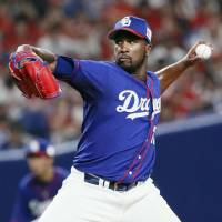 Onelki Garcia pitches Dragons past Carp to sweep series