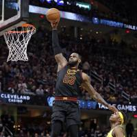 LeBron's 46 helps Cavs even series with Pacers