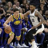 Kevin Durant leads Warriors past Spurs, to a 3-0 series lead