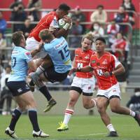Waratahs pounce on winless Sunwolves in try-fest