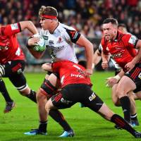 Crusaders see off Sunwolves' challenge during hailstorm