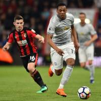 Manchester United rebounds from loss with victory over Bournemouth