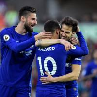 Chelsea stays in hunt for berth in Champions League