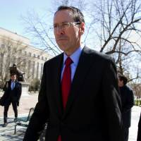 Judge hearing $85 billion AT&T-Time Warner deal signals middle-of-road ruling