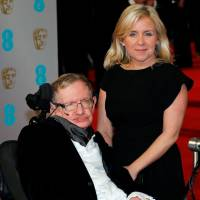 Time travelers invited to Stephen Hawking send-off
