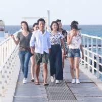 Day at the beach: Rintaro Oyaizu leads some of the contestants on the second season of 'The Bachelor Japan' to a day of activities by the sea. | © 2018 WARNER BROS. INTERNATIONAL TELEVISION PRODUCTION LIMITED. ALL RIGHTS RESERVED.