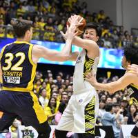 Tochigi Brex players have embraced coach Ryuzo Anzai's commitment to defense. | B. LEAGUE