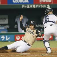 Brandon Laird has fallen in love with Japanese baseball since joining the Hokkaido Nippon Ham Fighters in 2015. | KYODO