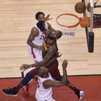 LeBron goes for 43 as Cavs go up 2-0 on Raptors