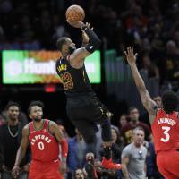 LeBron James hits buzzer-beater to down Raptors