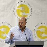 Hedge fund manager David Tepper has agreed to buy the Carolina Panthers from team founder Jerry Richardson for a record $2.2 billion, according to sources. | AP