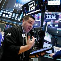 Wall Street plunges amid escalating trade row