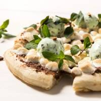 The Fresh Mint Chocolate Pizza promises two things: mint and sugar