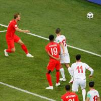 England prevails on late Harry Kane goal