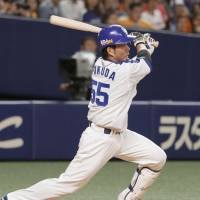 Pinch hitter Masanobu Fukuda slaps game-winning single in ninth against Giants