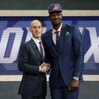 Suns select Deandre Ayton with No. 1 pick in NBA Draft