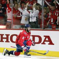 Capitals soar past Golden Knights in Game 3