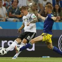 Toni Kroos lifts Germany with stunning goal in stoppage time