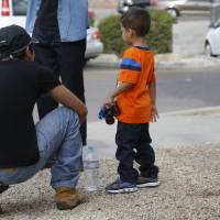 Testing DNA to reunite immigrant families in U.S. brings social and ethical problems, experts say