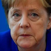 Chaos in Merkel's coalition after minister dangles resignation
