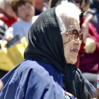 Manzanar detainee Aiko Herzig-Yoshinaga who revealed racism, not security, as reason for WWII interment dies at 93