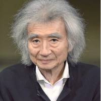 Conductor Ozawa makes comeback after surgery for heart valve disease