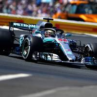 Lewis Hamilton signs new two-year contract with Mercedes