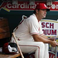 Cardinals fire manager Mike Matheny with club near .500