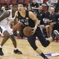 NBA prospect Yuta Watanabe, seen in action for the Brooklyn Nets, showcased his all-around skills at the Summer League in Las Vegas. | KYODO