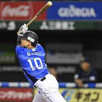 Lions' Tomoya Mori comes through in clutch with game-winning double in 10th against Buffaloes