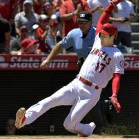 Angels cruise to easy victory against Astros