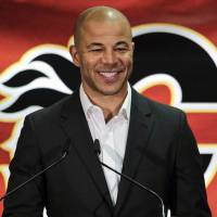 Jarome Iginla hangs up skates after 20 years in NHL