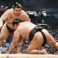 Big names shine on second day of Nagoya Basho