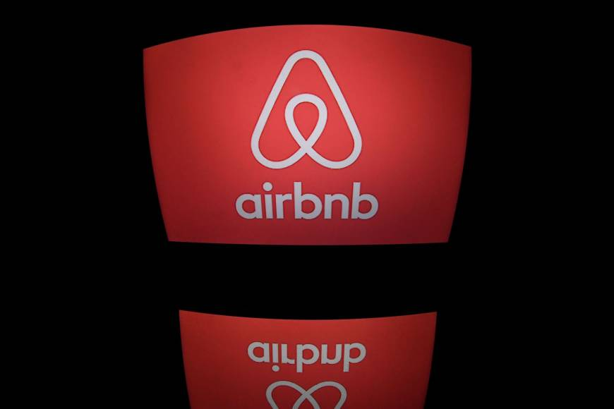 New York mayor signs into law new crackdown on Airbnb, targeting illegal short-term rentals