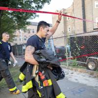 Chicago apartment blaze claims eight, including six kids